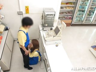 mini mart employee gets sucked off