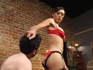 asian tranny makes her slave kiss her
